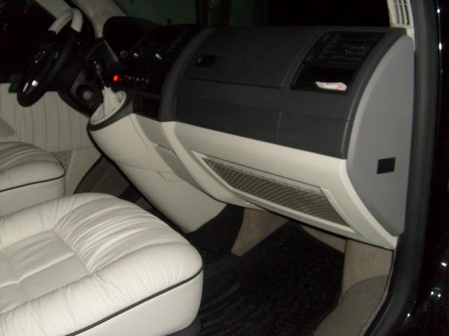 Volkswagen Caravelle Gri